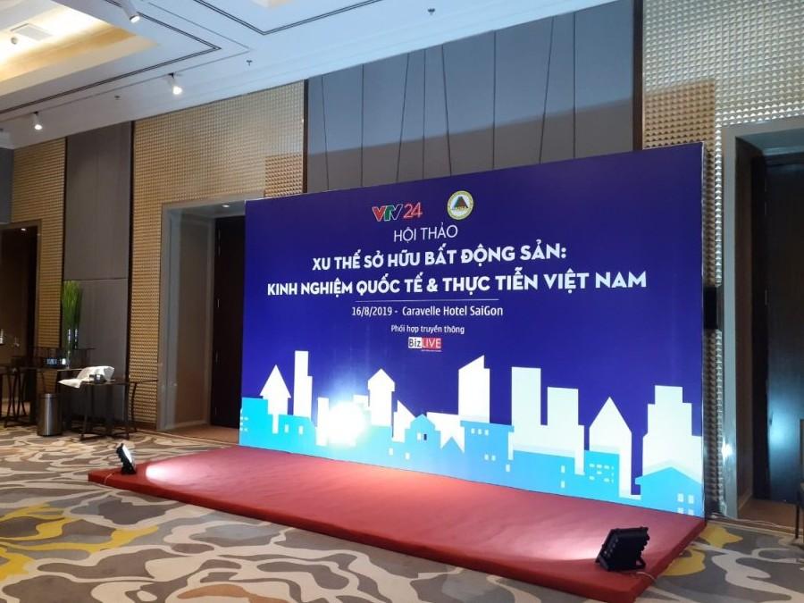 thi-cong-backdrop